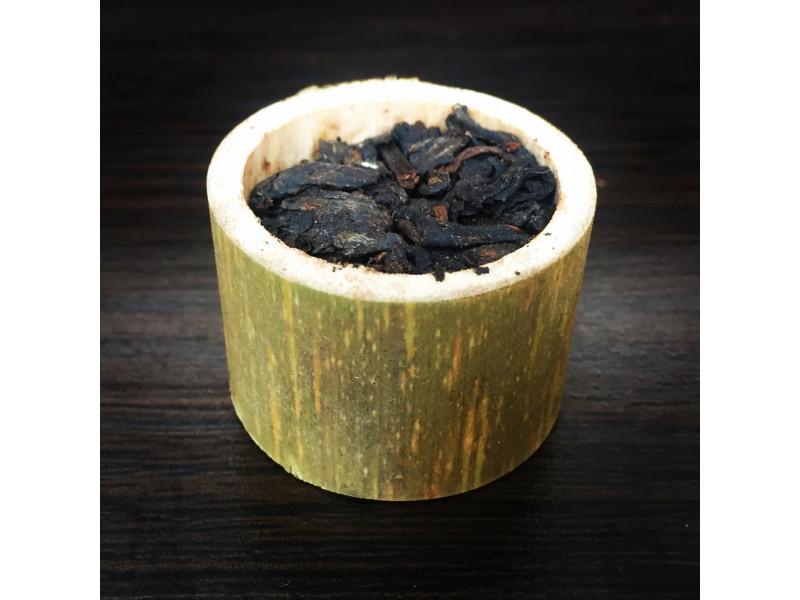 Шу Пуэр в бамбуке